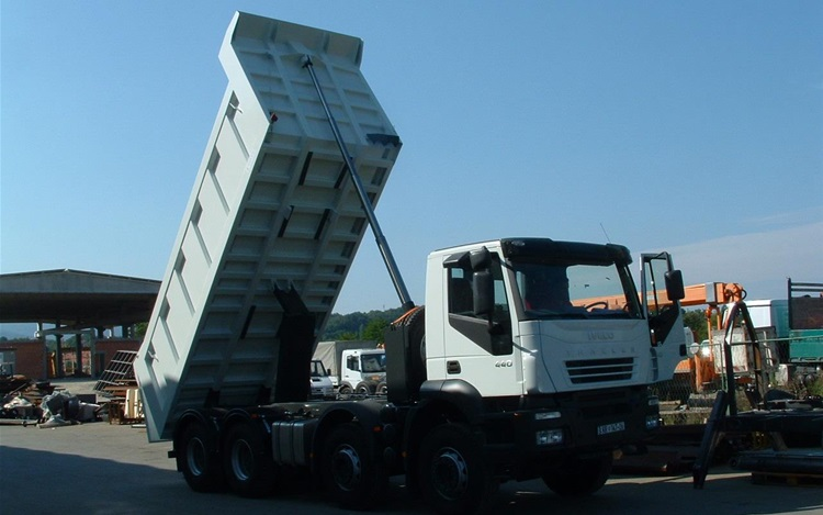 One-sided tipper